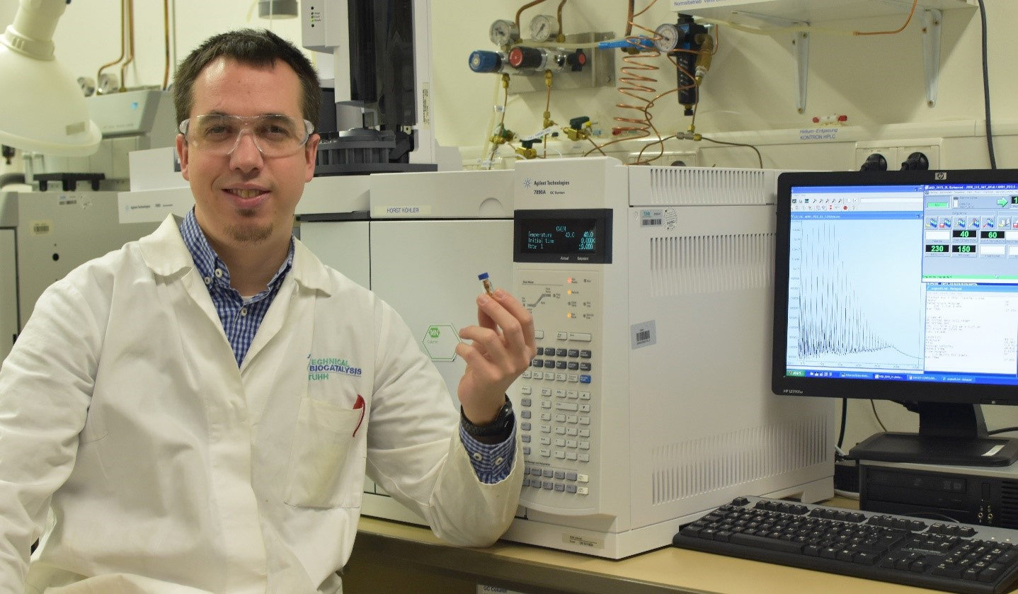 GoMRI Scholar-Grad Student Viamonte Puts Pressure On Microbial Oil Degradation