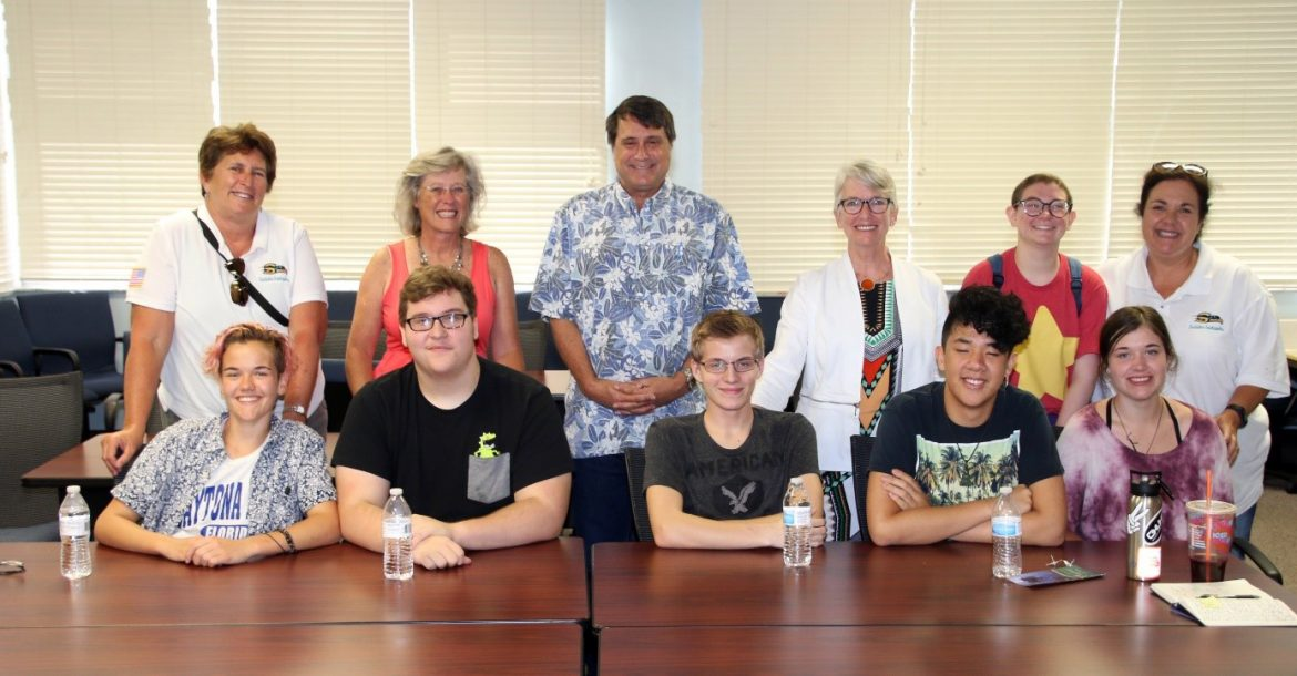 Six AP/Honors Rising Seniors from Sunlake High School Visited USFCMS