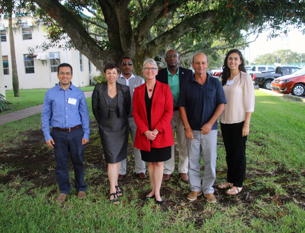 Five visiting faculty members visit USF College of Marine Science to increase diversity in geosciences. Also pictured is Dean Jackie Dixon and Diversity Officer and Instructor Ana Arellano.