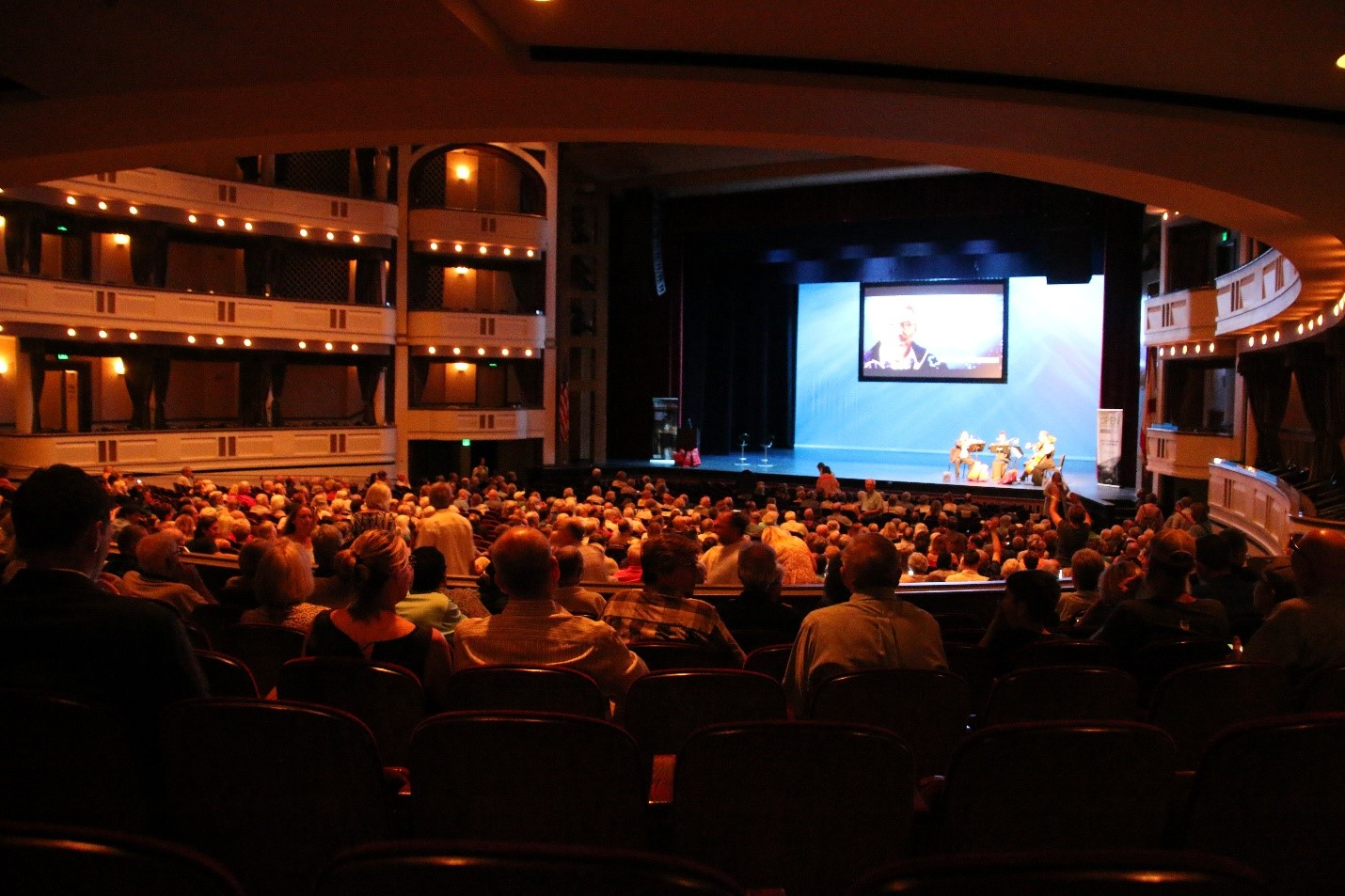 The crowd continues pouring into the Mahaffey Theater just before the start of the event.